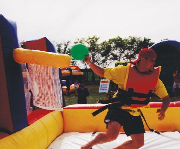 Inflatable-Extreme-Challenge teen